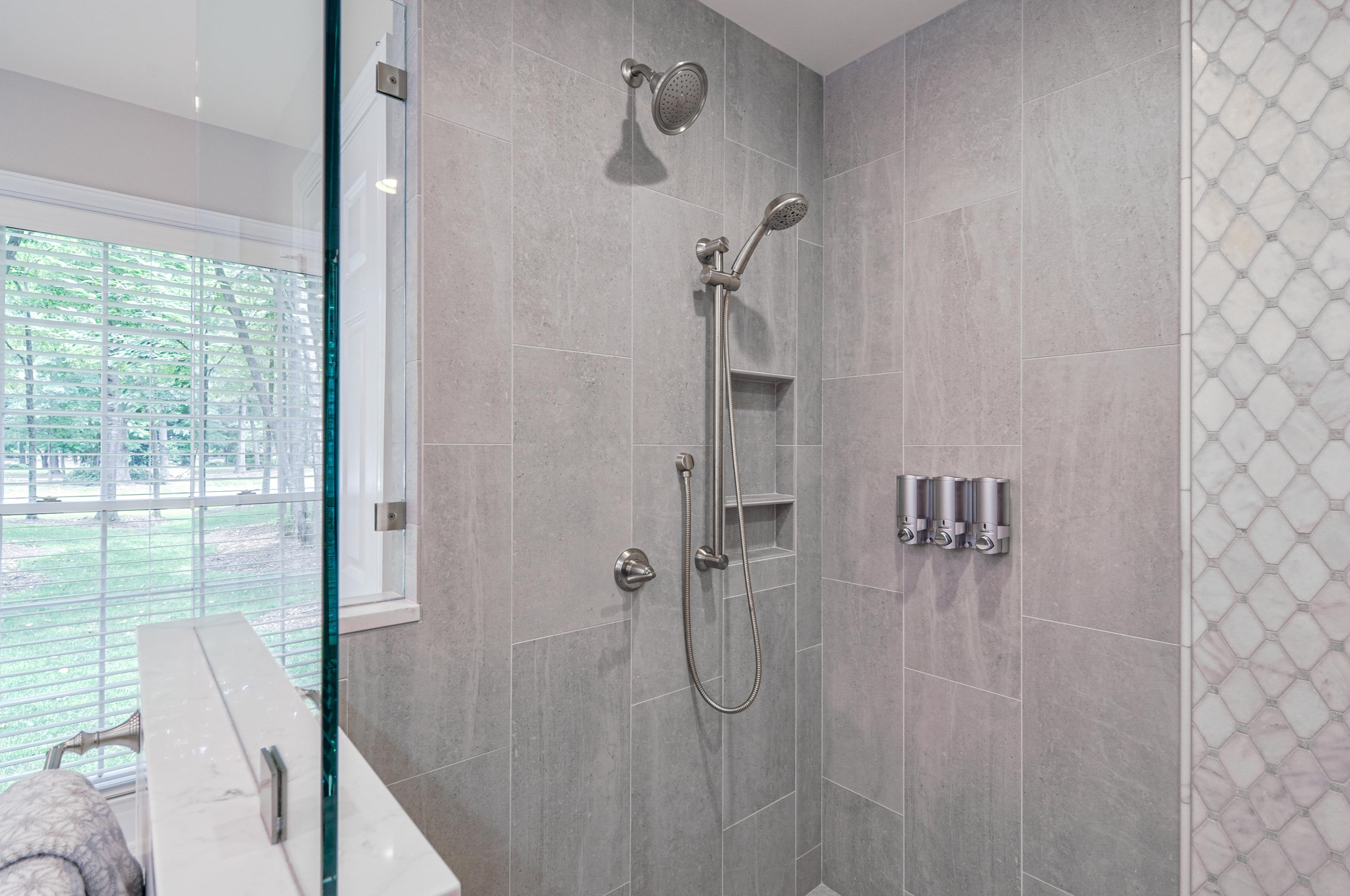 Ward_Master Bathroom (11)