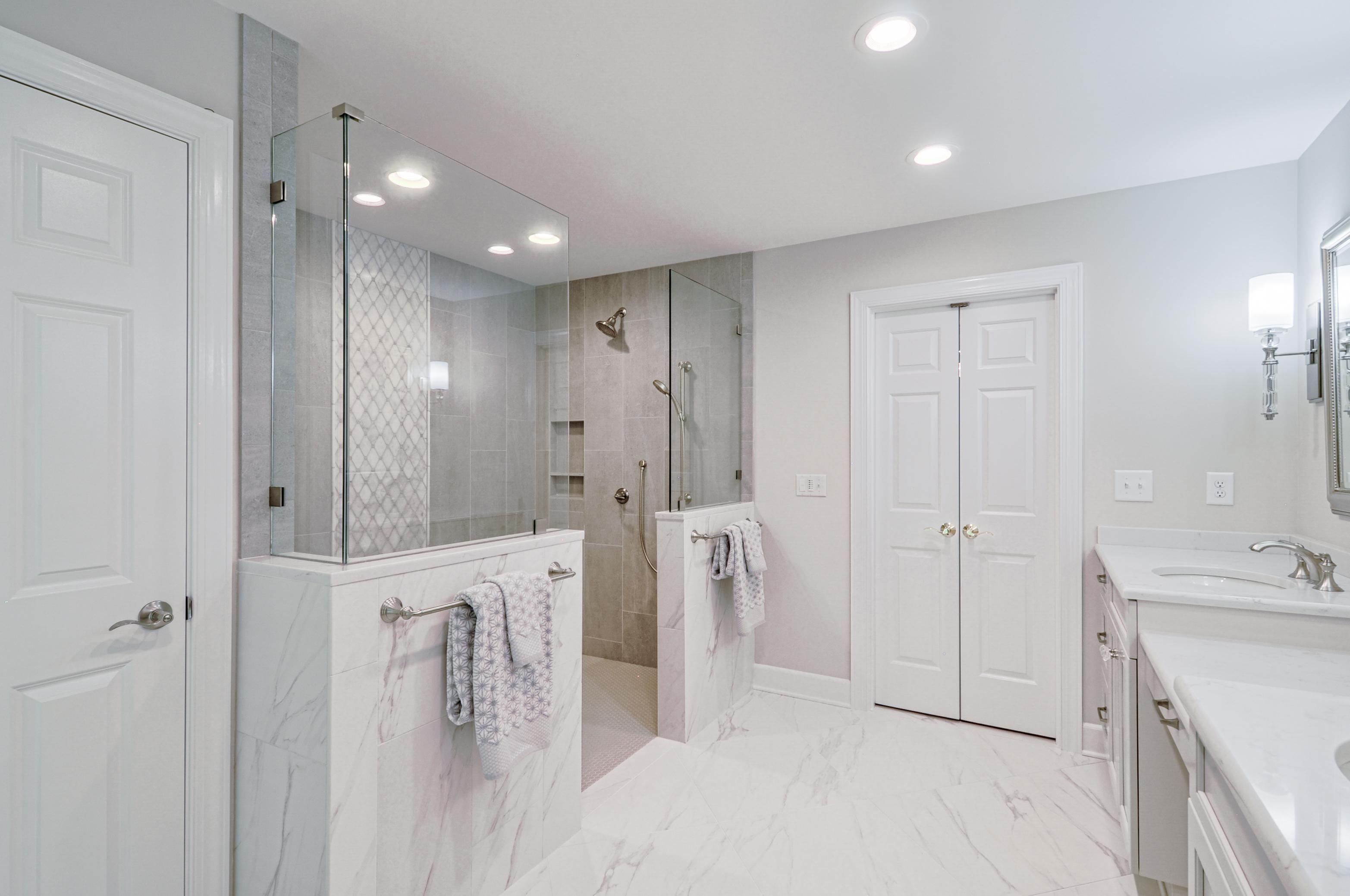 Ward_Master Bathroom (5)